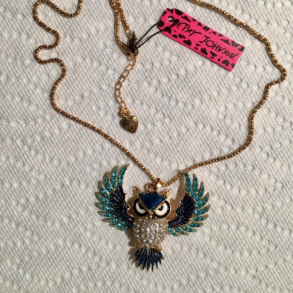 Betsy Johnson pendant and chain